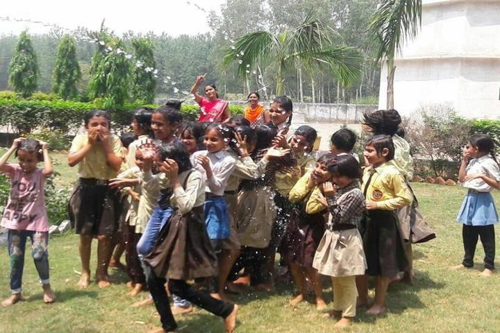 R G Public School-Rain Dance
