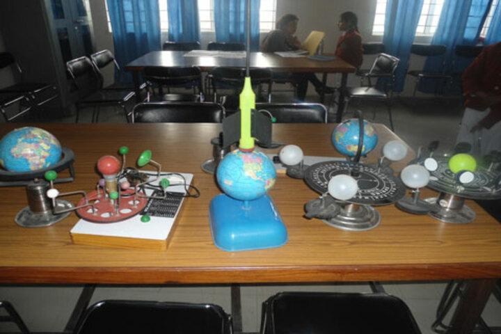 R R K School-Social Science Lab