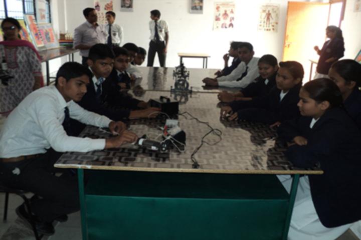 Radha International Academy-Labs1