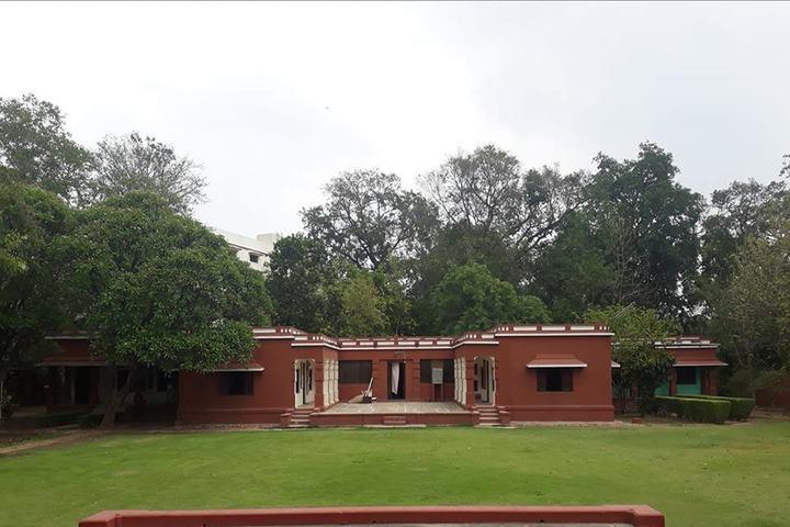 Rajghat Besant School-Campus