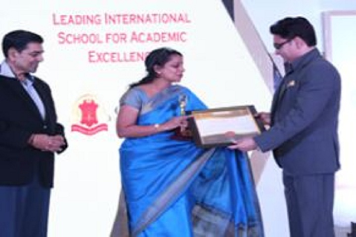 Gems School - Award Receiving