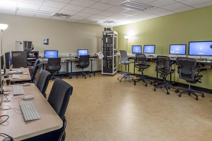 Ramsakhi Ram Niwas Convent School-Computer Lab