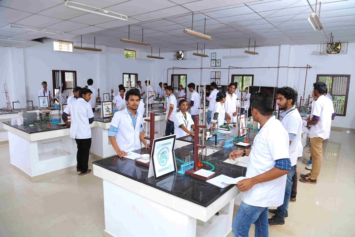 Ramsakhi Ram Niwas Convent School-Physics Lab