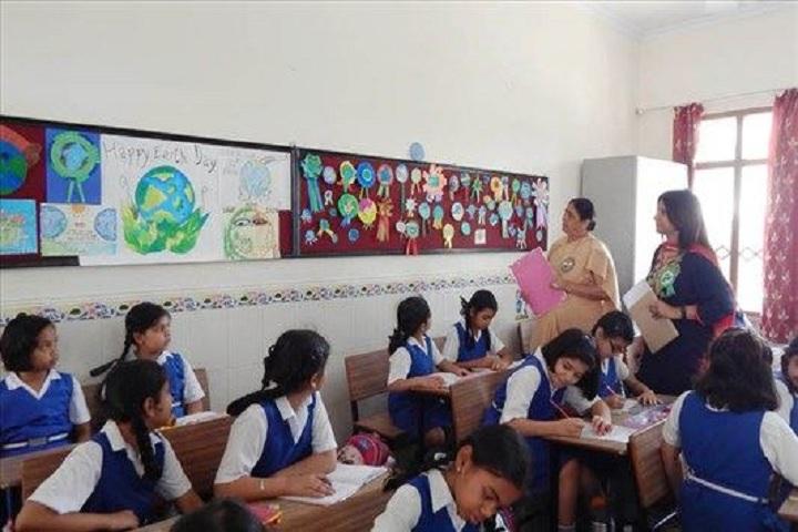 Carmel Convent School-Class