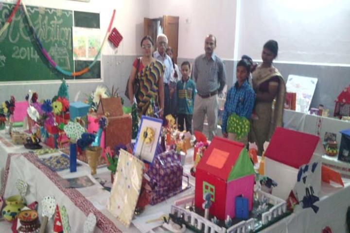 Rani Laxmi Bai Memorial School-Art And Craft