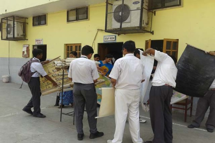 Rani Laxmi Bai Memorial School-Clean Indian Mission