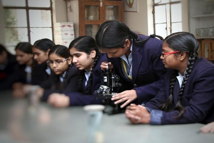 Rattan Lal Phool Katori Devi-Physics Lab
