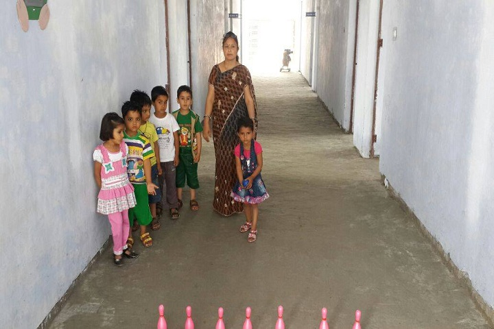 Rishikul Vidhyapeeth-indoor games