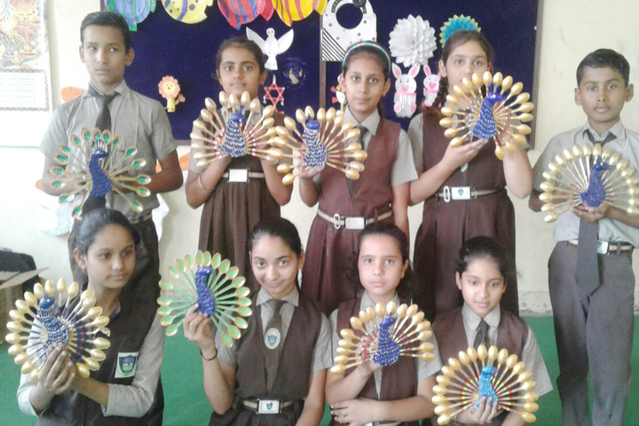 Rockland International School- art and craft