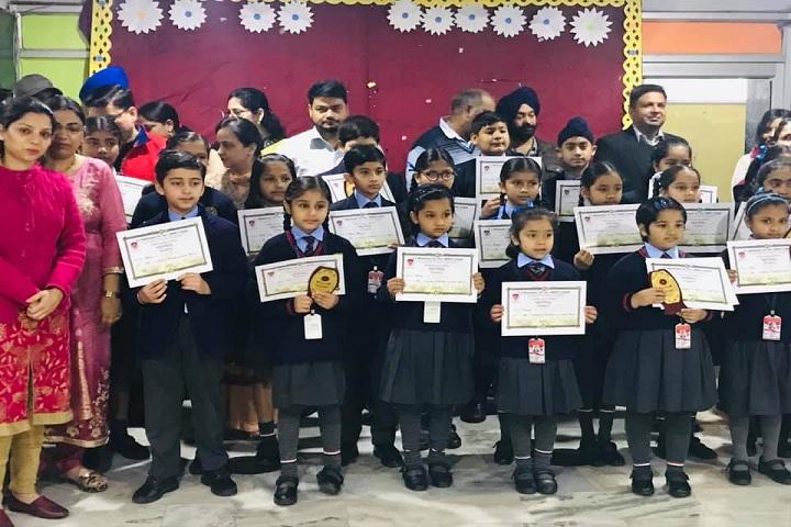DC Montessori School-Kids