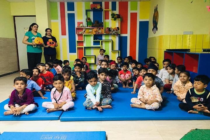 D C Montessori-paijama party