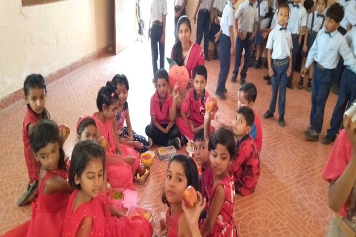 SJS Public School-Fruits Day