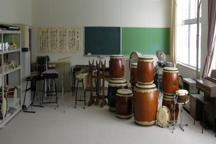S M Public School- Music Room