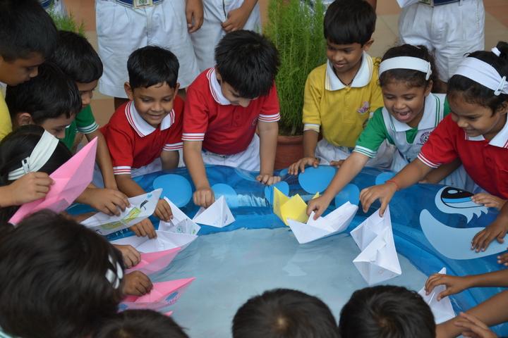 S R International School-Activity