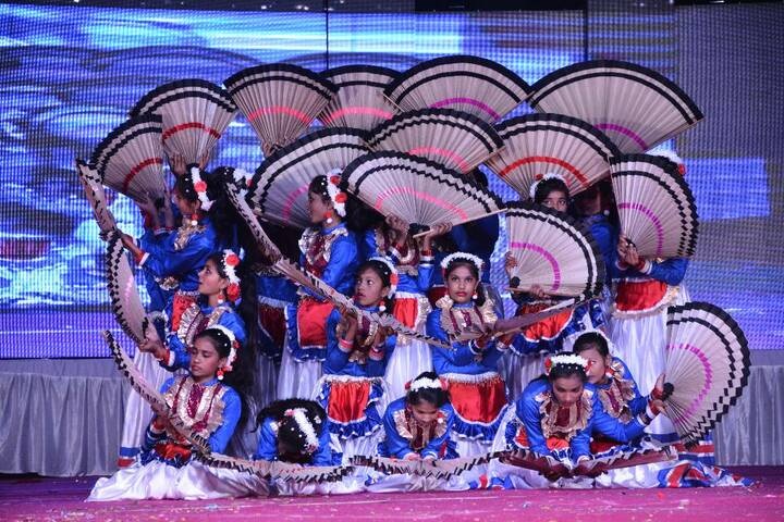 S R International School-Dance