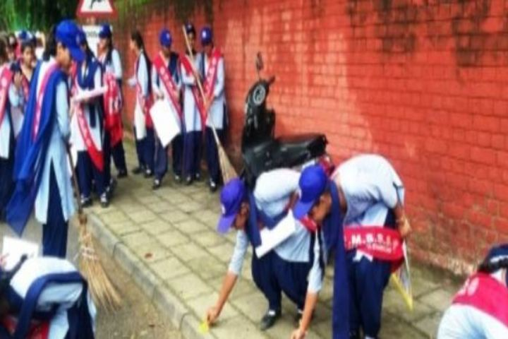 Government Girls Senior Secondary School-Cleaning Camp