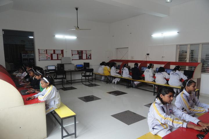 Saint Angels Public School-Computer lab