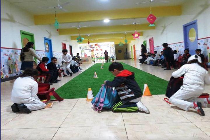 Sanskar World School-Indoor games