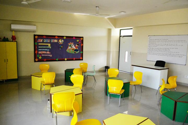 Sarvottam International School-Art Room
