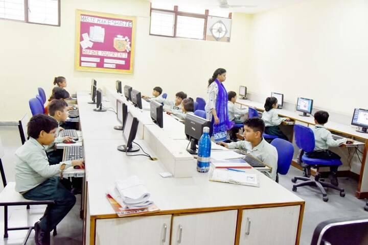 Shambhu Dayal Global School-Computer Lab