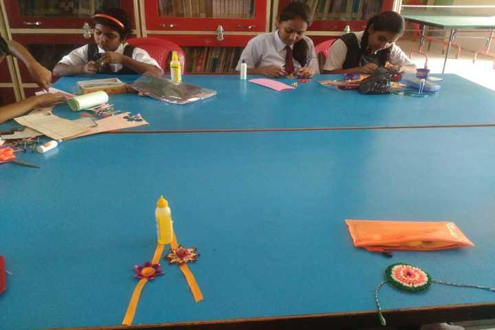 Sharada Public School-Rakhi Making