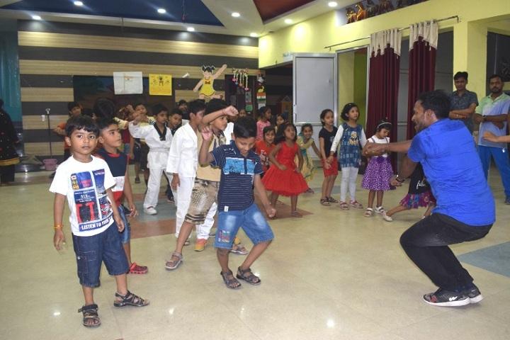 Shemford Futuristic School-Dance class