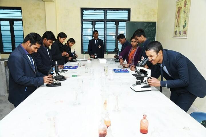 Shemushi Vidyapeeth-Biology lab