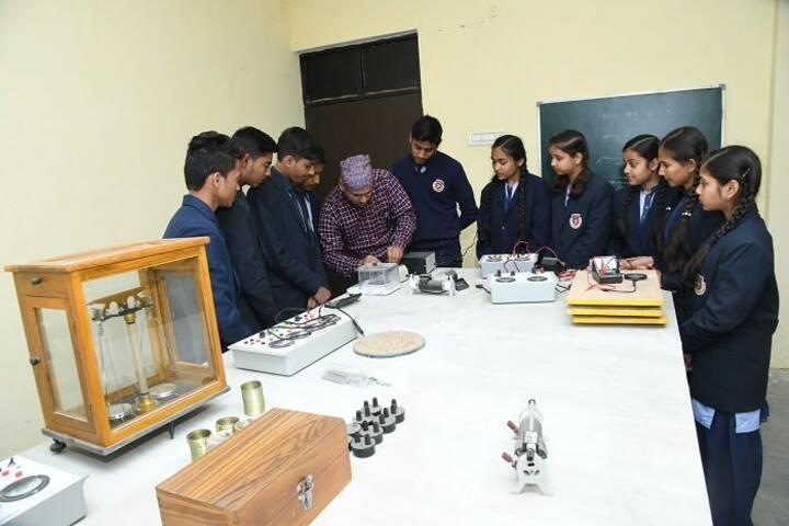 Shemushi Vidyapeeth-Physics lab