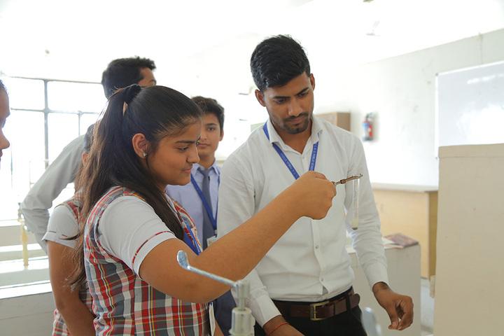 Shree Kunji Lal Gulkandi Devi Public School-Lab