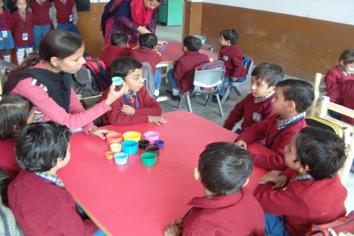 Shreya Public School-Art and craft