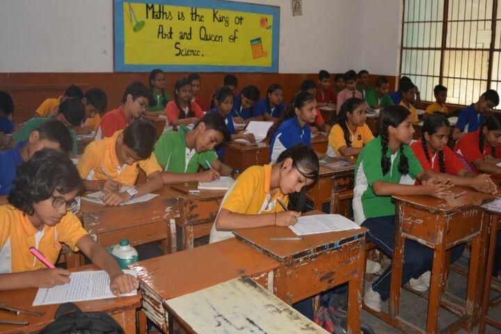 Shri Maha Prabhu Public School-Hindi Olympiad