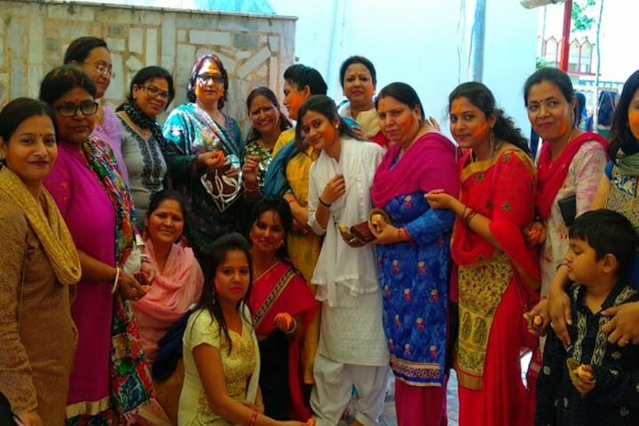 Shri Maha Prabhu Public School-Holi Celebrations
