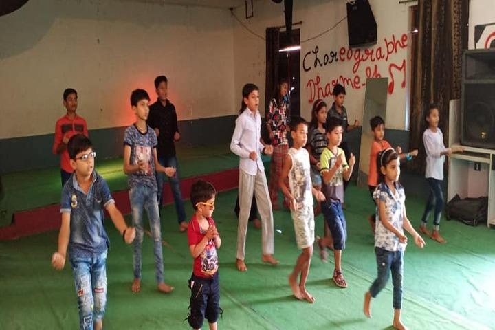 Shri Mahaveer Ji Public School-Dance Class
