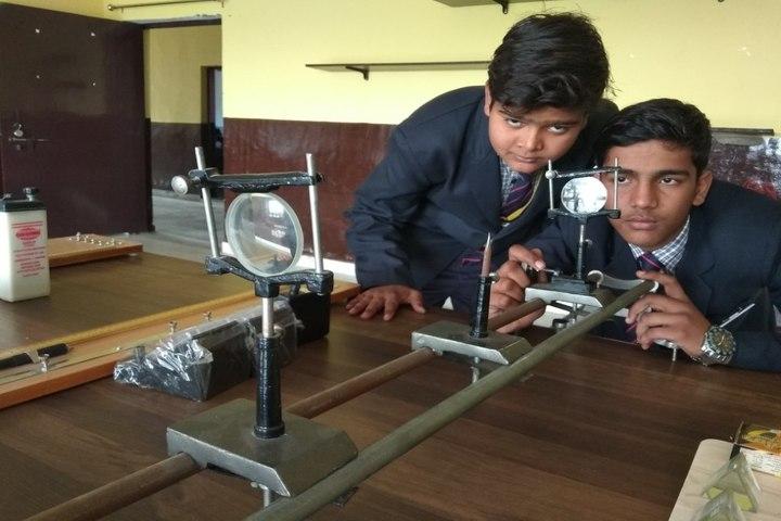 Shri Ji International School Mathura-Physics Lab