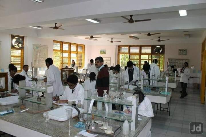 Shringi Rishi Vidyapeeth Public School-Chemistry Lab