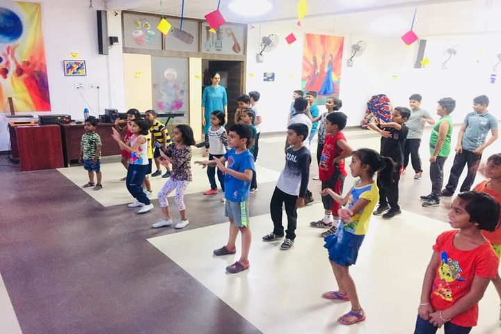 Siddharth International School-Dance Class