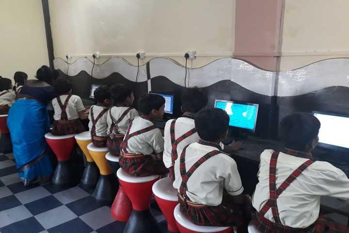 Silver Stone Public School-Computer Lab