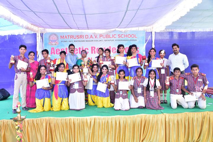 Gmr Varalakshmi Dav Public School-Award Receiving