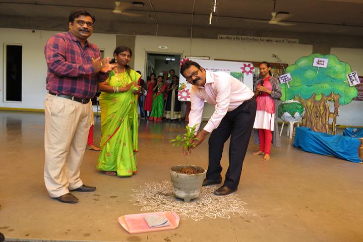 Gmr Varalakshmi Dav Public School-Plantation