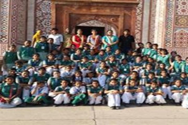 Smt. Kamla Agarwal Girls Public School-Pinic