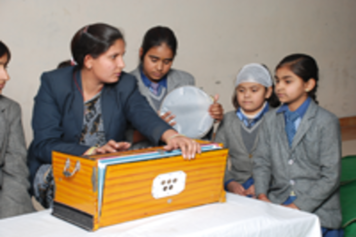 Spring Dales Public School-Music Class