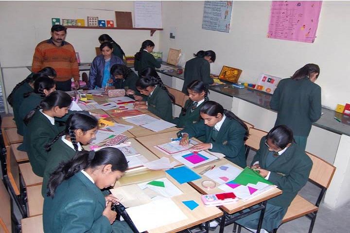 SS Children Academy Girls School-Art And Craft
