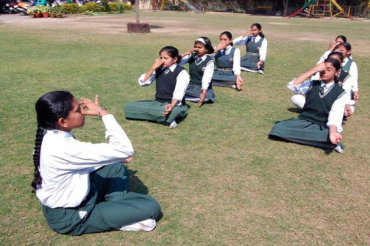 SS Children Academy Girls School-Yoga