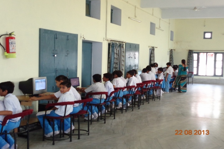 St Johns School-Computer Lab