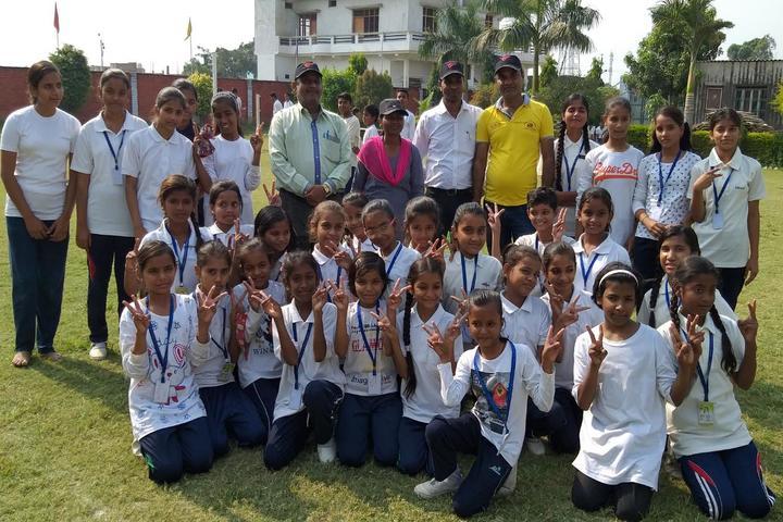 Sultanpur City Montessori-Group Photo
