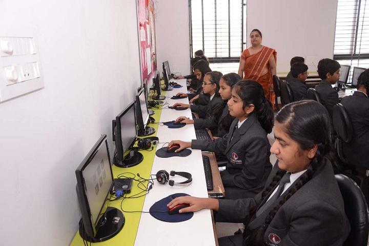 Gaikwad Global School-IT-LAb