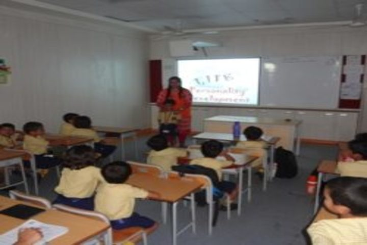Sunder Deep World School-Classroom