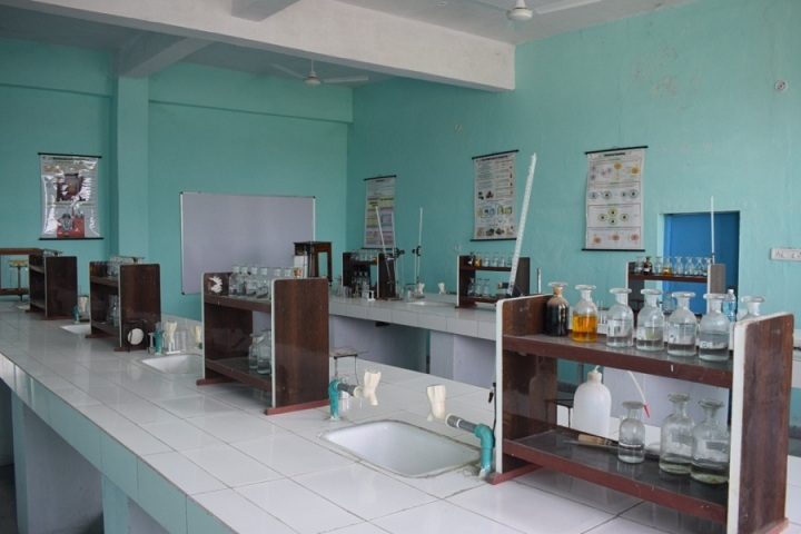 The Ganges World School-Chemistry lab