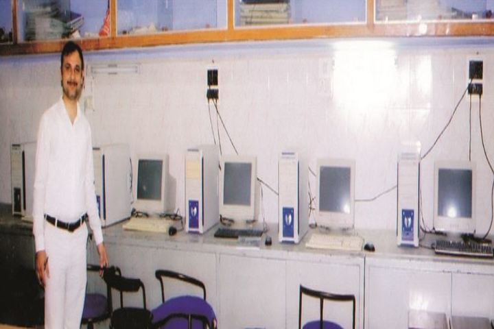 Theosophical Inter College-Computer lab
