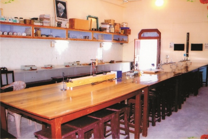 Theosophical Inter College-Science lab